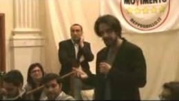Il-Movimento-5-Stelle-presenta-il-suo-candidato-a-Sindaco-per-le-prossime-elezioni-comunali-2014