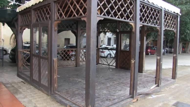 Atti-di-vandalismo-al-pub-di-via-Iannelli-accanto-la-villa-Comunale