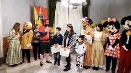 Sala-Picta-del-Comune-insieme-ai-bimbi-e-a-i-nanni-e-alle-premiazioni