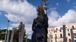 Uscita-processione-Chiesa-Madre-Immacolata-a-ranni-8-dicembre-2018