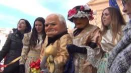 Carnevale-Termitano-2019-consegna-chiavi-della-citta-piazza-Duomo