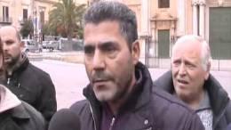 Protesta-Disoccupati-in-Piazza-Duomo-24-01-2012