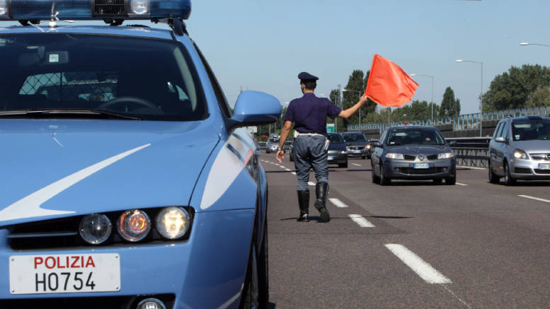 polizia-stradale-polstrada-autostrada-controlli