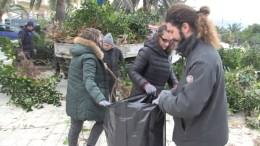 Le-Associazioni-di-volontariato-e-il-comune-puliscono-il-Teatro-Kalos-al-Belvedere