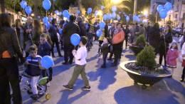 Il-volo-dei-palloncini-a-piazza-Duomo-per-ricordare-la-giornata-mondiale-dellAutismo