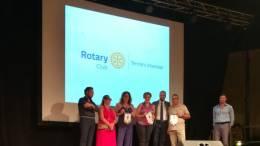 serata-beneficienza-rotary-club-termini-imerese-donazione-dello-stemma-rotary-ai-medici-del-picc-insieme