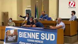 Assemblea-operai-ex-Bienne-Sud-con-i-parlamentari-regionali-e-nazionali