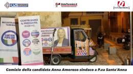Comizio-della-candidata-Anna-Amoroso-sindaco-a-P.za-Santa'Anna